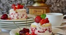 berries-blur-cake-461192